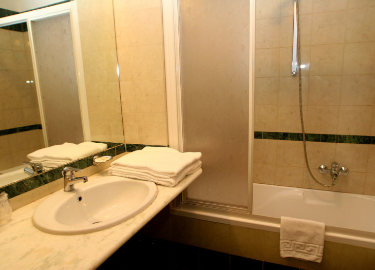 hotelorlanda-roma-triple-bath