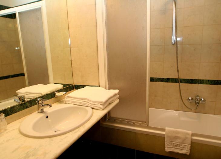 hotelorlanda-roma-badezimmer
